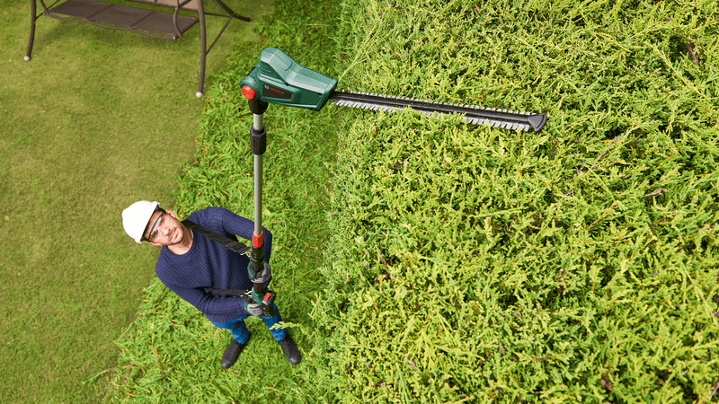Best Long Reach Hedge Trimmer UK
